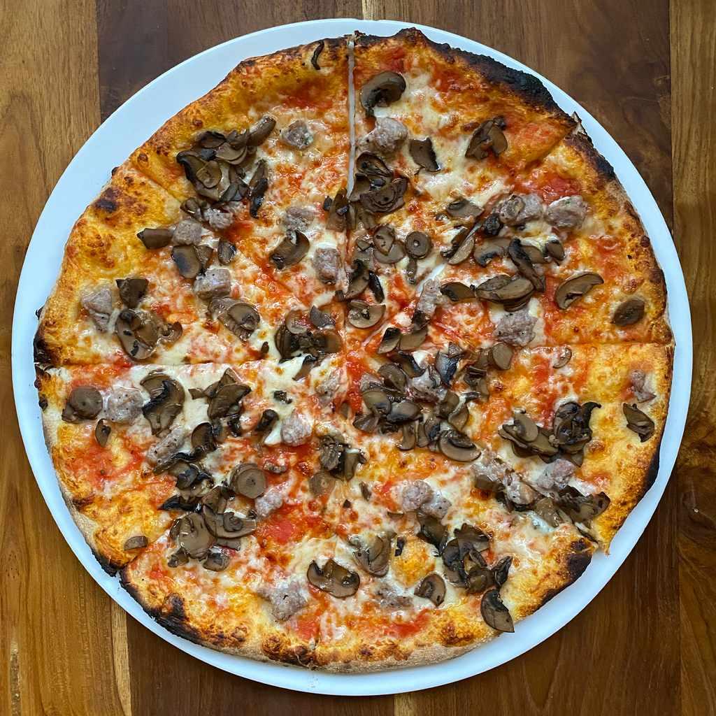 pizza: boscaiola