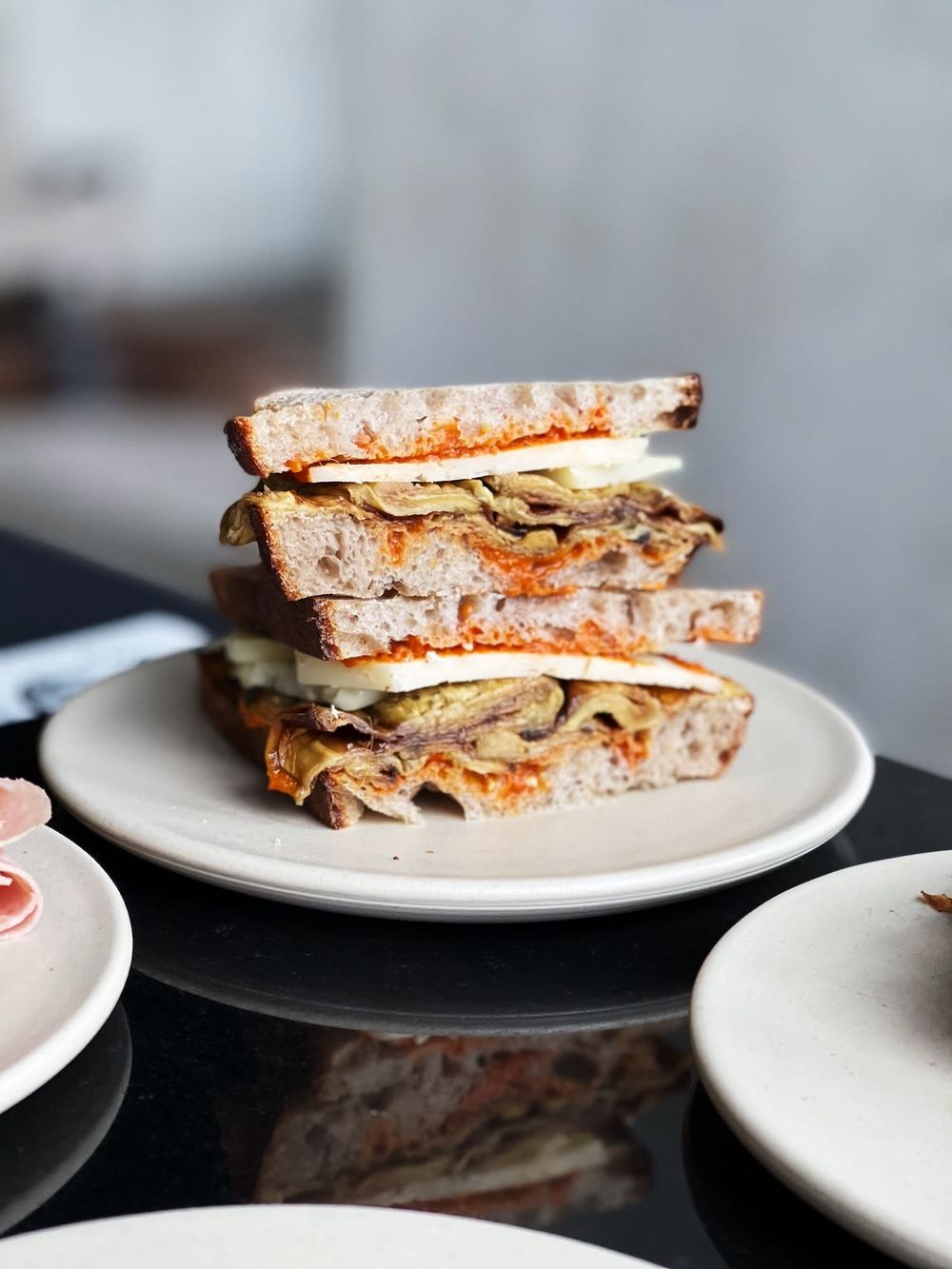 Fresh Italian lunch sandwich at Amsterdam best of Noord location. Article by Table Sage