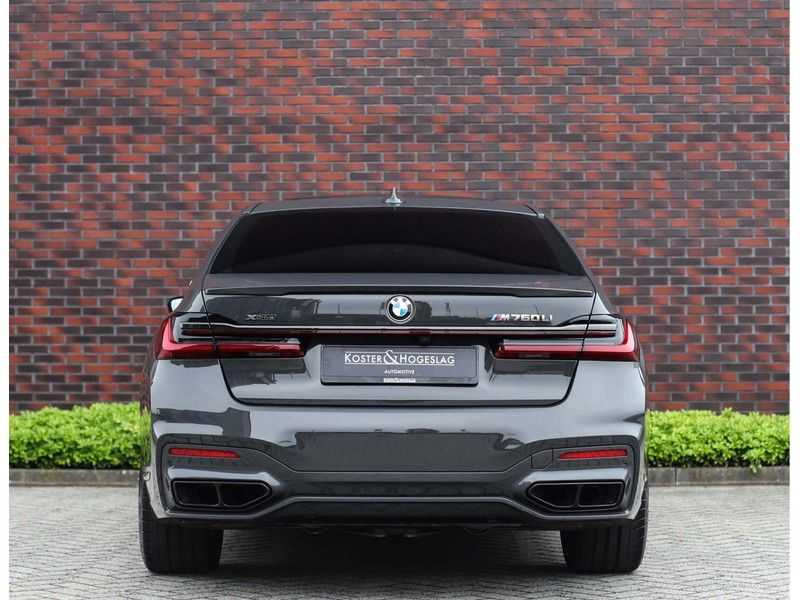 BMW 7 Serie M760Li xDrive *Dravit grey*Executive seats*Sky Lounge*Full option* afbeelding 18
