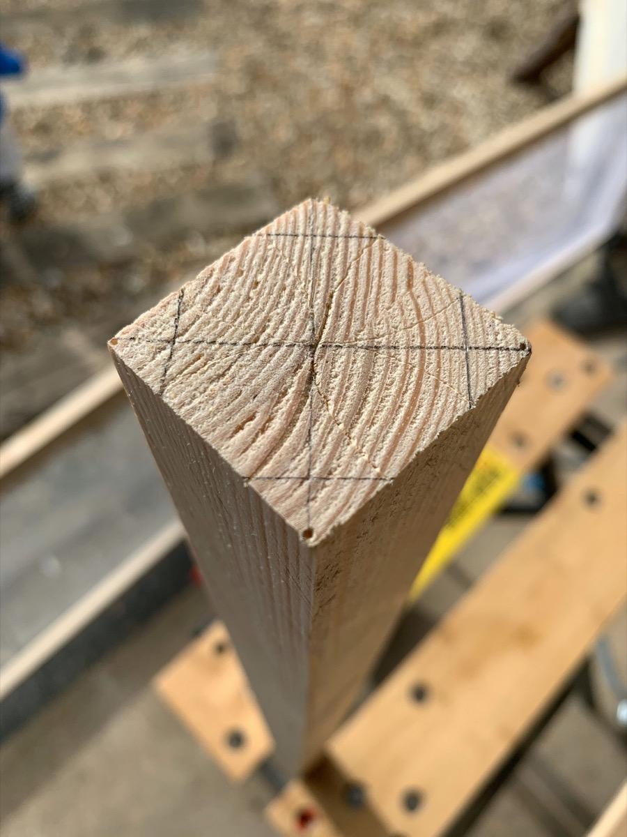 marking-octagonal-legs