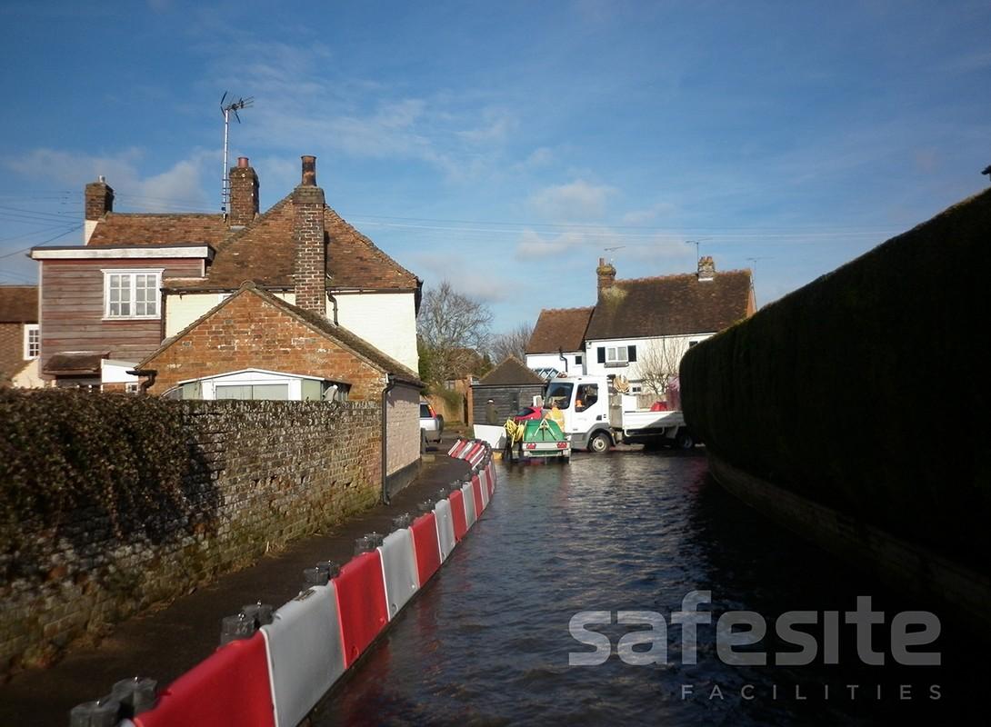 Flood defence barrier 500mm deployment