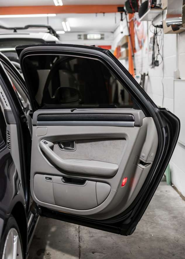 Audi s8 car tinted rear windows from inside