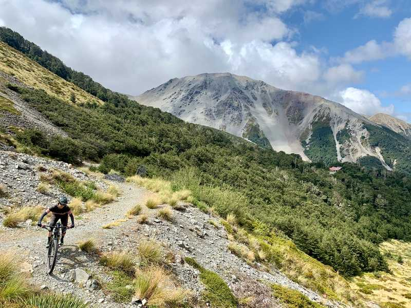 Three weeks mountain biking New Zealand by campervan