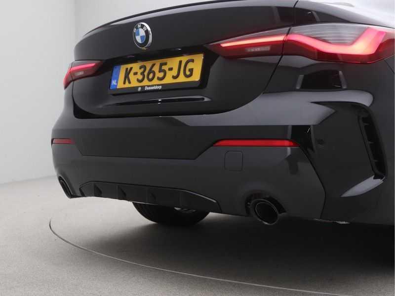 BMW 4 Serie Coupé 420i High Executive M-Sport Automaat afbeelding 24