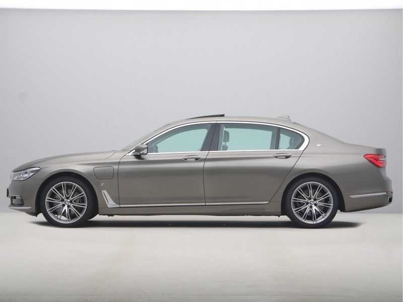 BMW 7 Serie 740Le iPerformance High Executive afbeelding 8