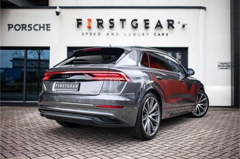 """Audi Q8 50 TDI Quattro *S-line / 23"""" / Panorama / Matrix-LED / Standkachel* afbeelding 7"""