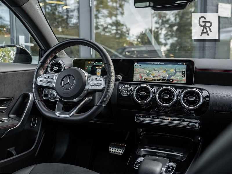 Mercedes-Benz A-Klasse A200 Launch Edition Premium Plus afbeelding 15