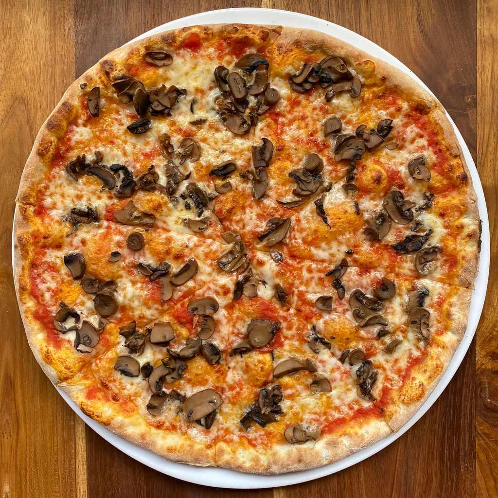 pizza: funghi