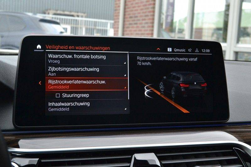 "BMW 5 Serie Touring 530d 286pk M-Sport Pano DA+ PA+ Laser 21"" Adp-drive HUD afbeelding 11"