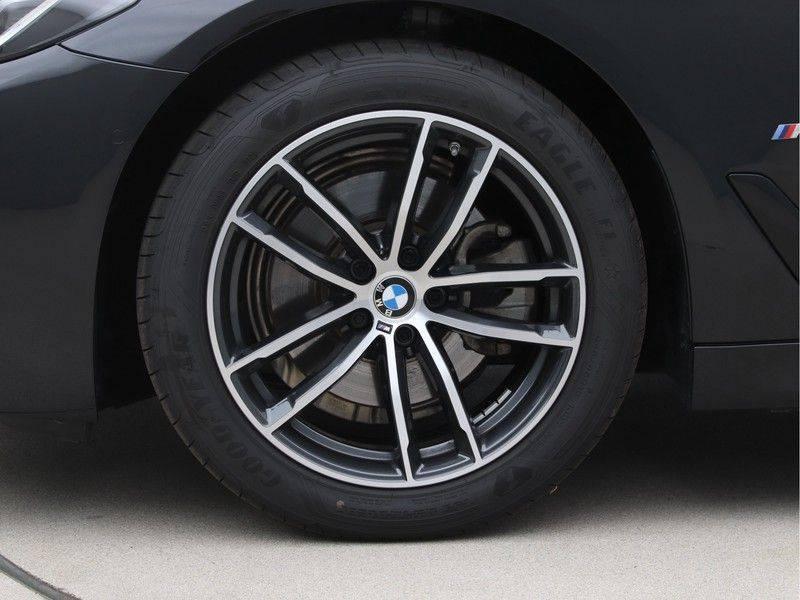 BMW 5 Serie 520d Sedan High Exe M-Sport afbeelding 24