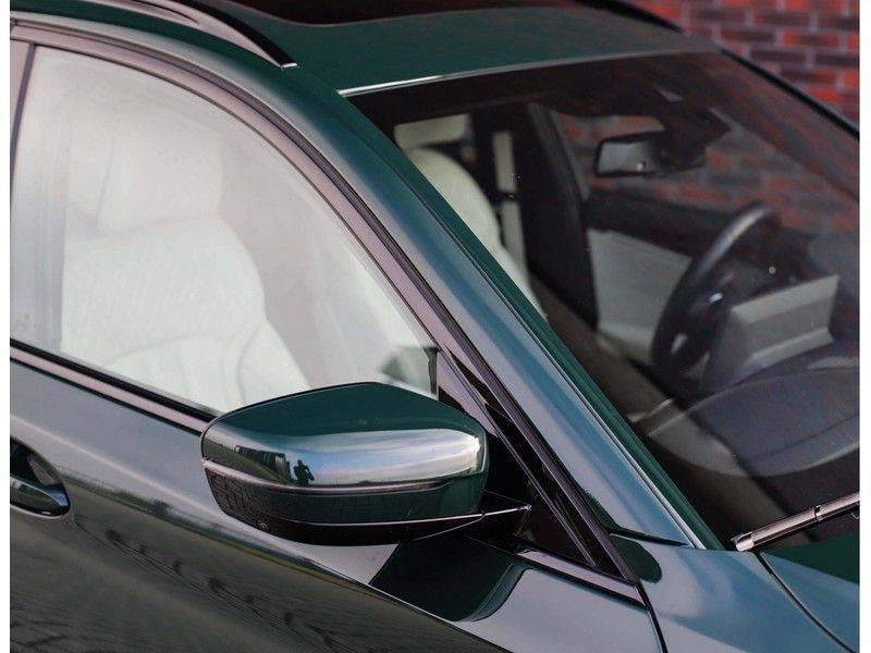 BMW 5 Serie 540i x-Drive *British Racing Green*HUD*Pano*Trekhaak* afbeelding 10