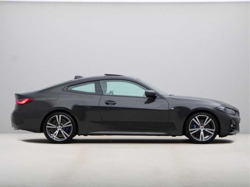 BMW 4 Serie Coupé 420i High Exe M-Sport Aut. afbeelding 6