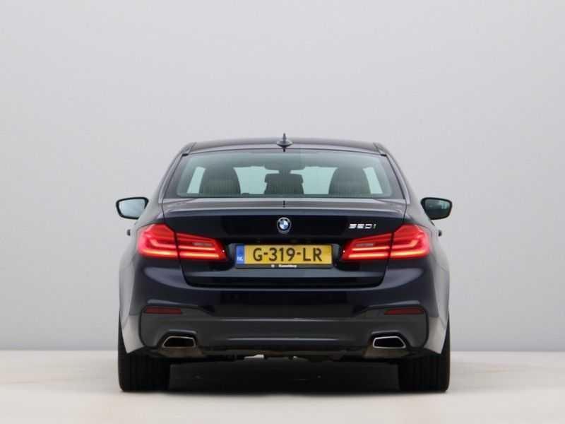 BMW 5 Serie 520i High Executive M-Sport afbeelding 3
