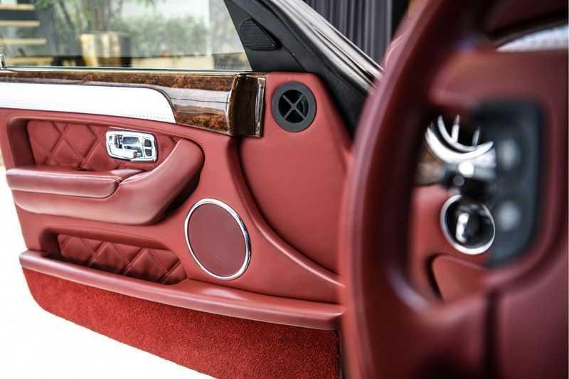Bentley Arnage 6.8 V8 T (recent voor 20.000,- onderhouden) afbeelding 19