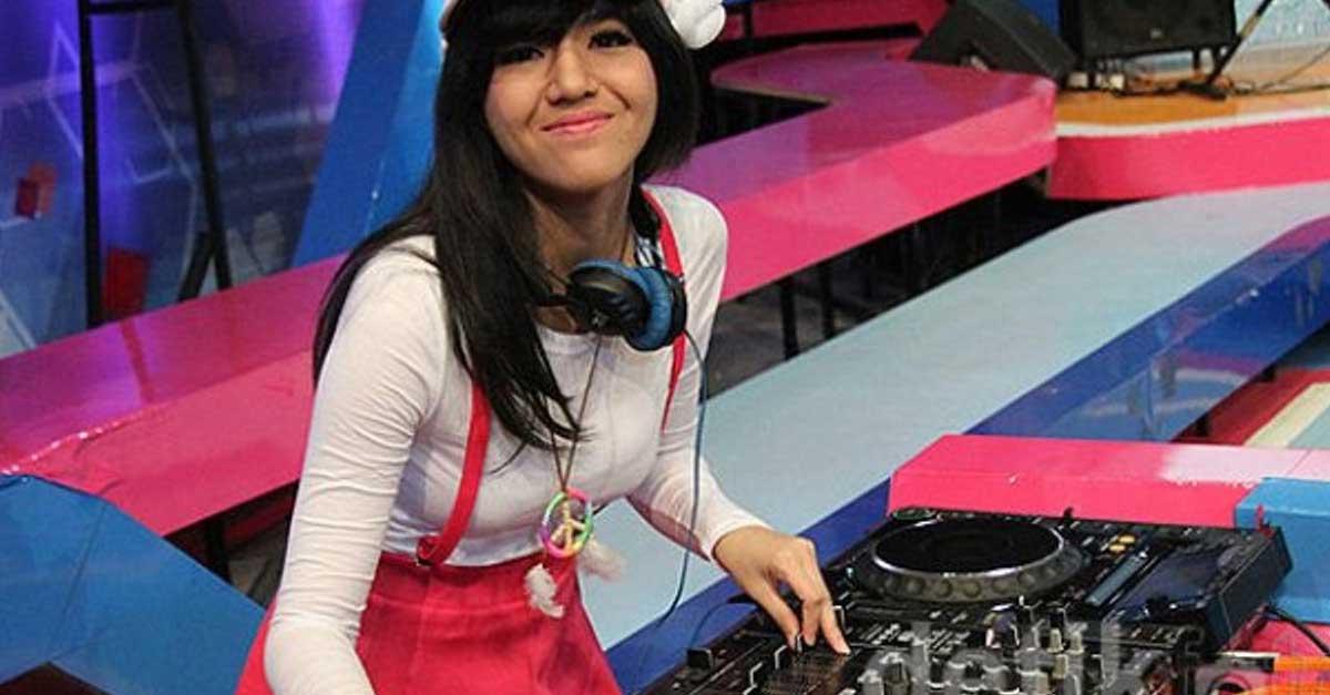 Gallery: Pesona DJ Una Astari Anggun Dan Cantik