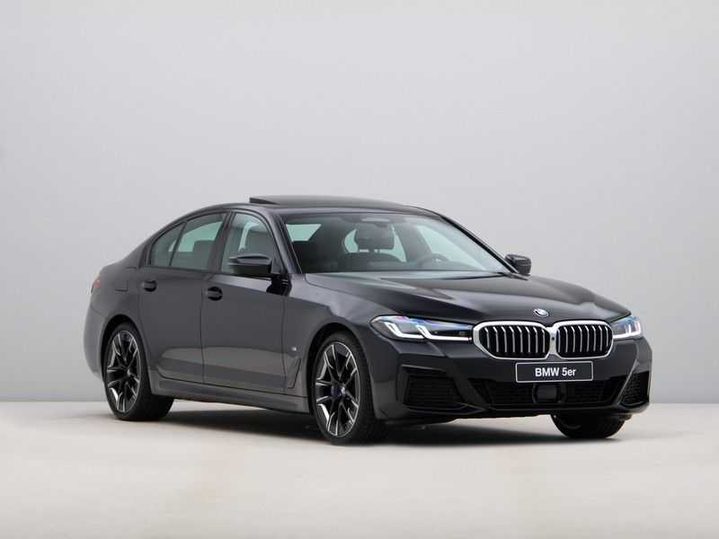BMW 5 Serie 530i High Exe M-Sport afbeelding 9