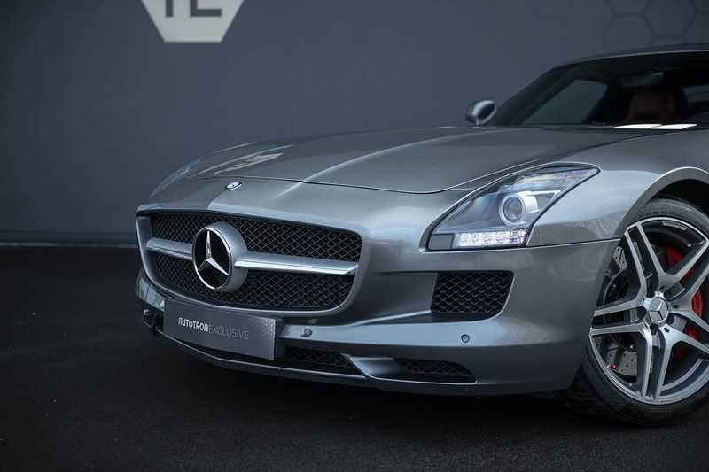 Mercedes-Benz SLS Roadster 6.3 AMG Carbon Pack + MIDDLE GRAY HIMALAYAS + Full Carbon Motor afdekking afbeelding 22
