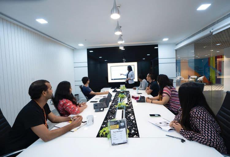 PowerPoint Präsentation während einer Schulung