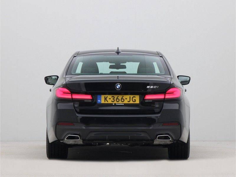 BMW 5 Serie Sedan 520i High Executive M-Sport Automaat afbeelding 10