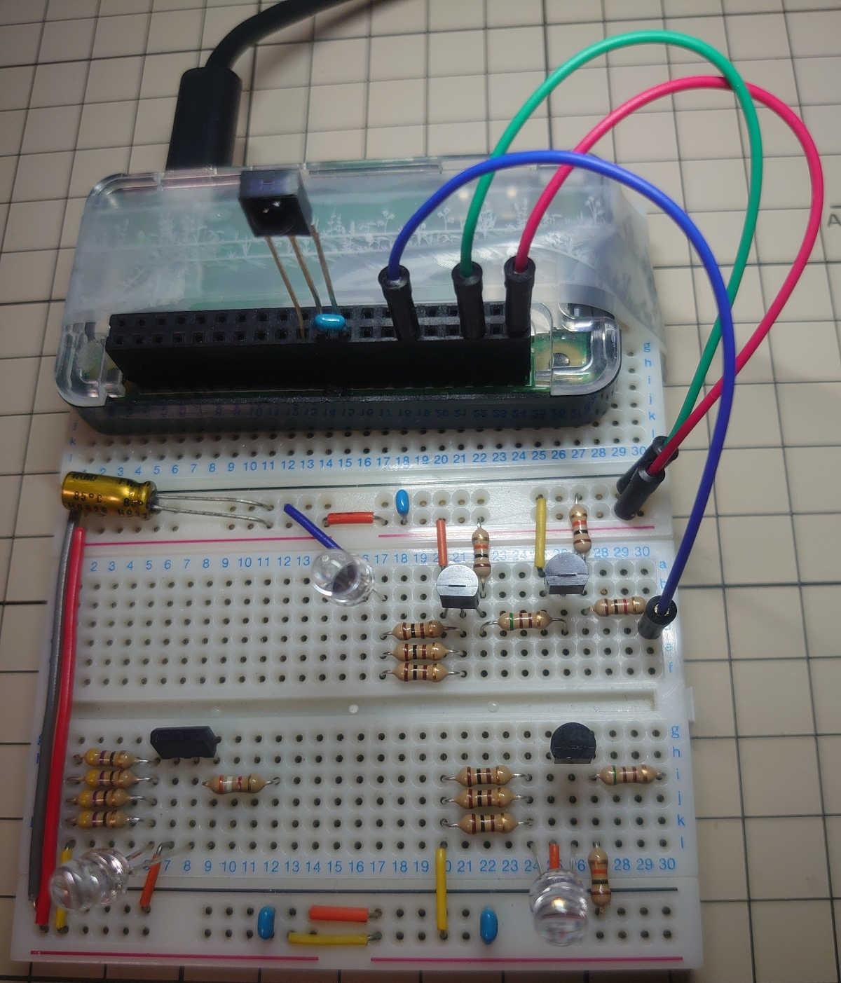 PNPトランジスタ 2SA1015回路とラズパイを接続する