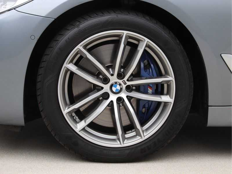 BMW 5 Serie 540i High Exe M-Sport Aut. afbeelding 19