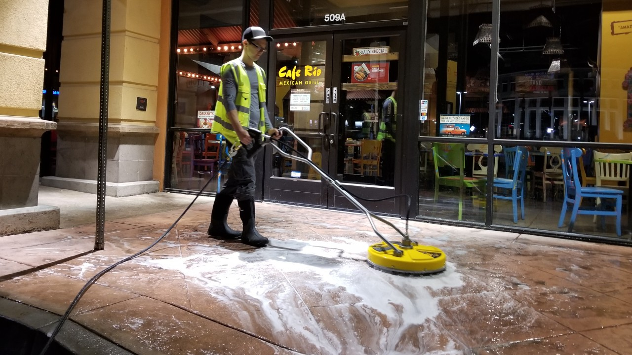 pressure-washing-cafe-rio-storefront-and-siding--cleaning-15