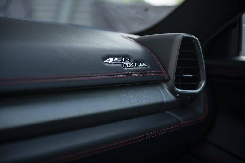 Ferrari 458 4.5 V8 Italia New Power Garantie T/M 12-03-2022, Carbon Sport Seats, Custom Exhaust, Carbon exterieurdelen afbeelding 19