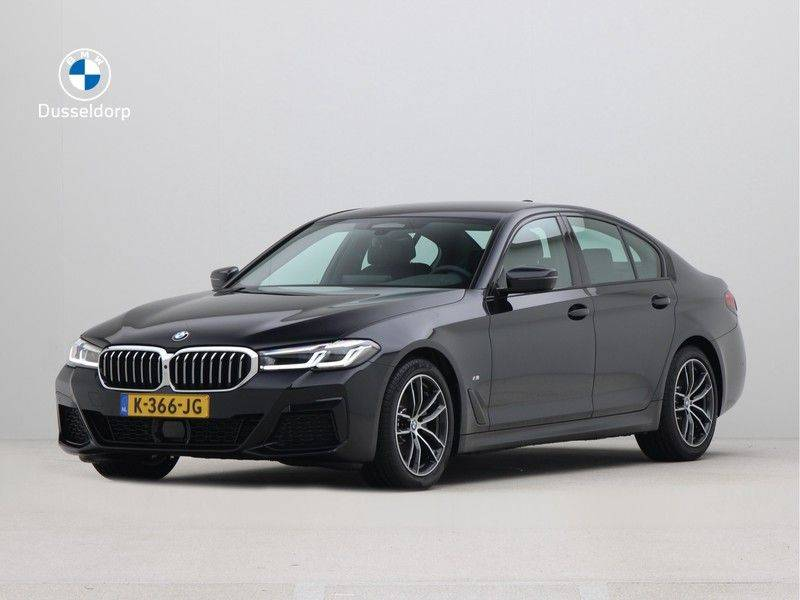 BMW 5 Serie Sedan 520i High Executive M-Sport Automaat afbeelding 1