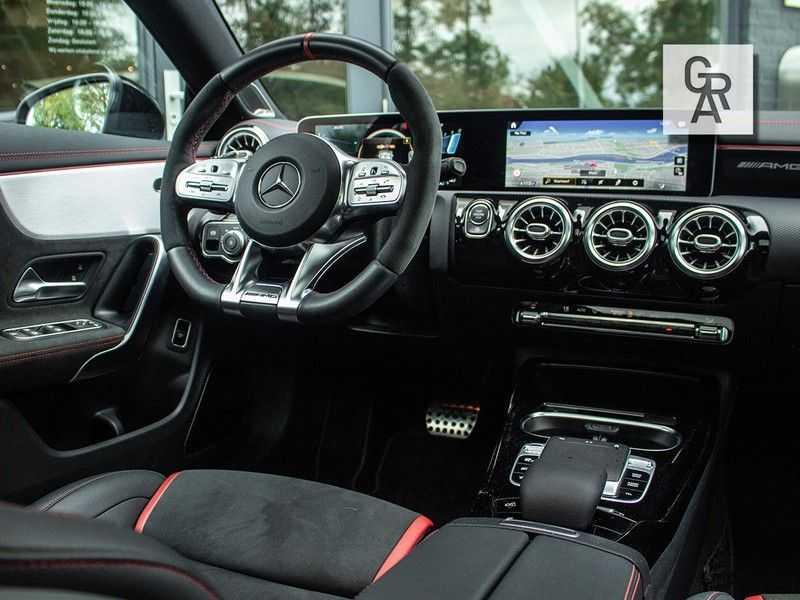 Mercedes-Benz CLA35 AMG klasse CLA35 AMG 4MATIC Premium Plus afbeelding 2