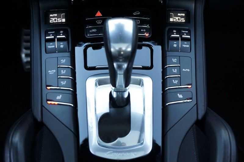 Porsche Cayenne 3.0 S E-Hybrid / Sport Chrono / Panodak / Trekhaak / Bose / Luchtvering / Sportstoelen afbeelding 13