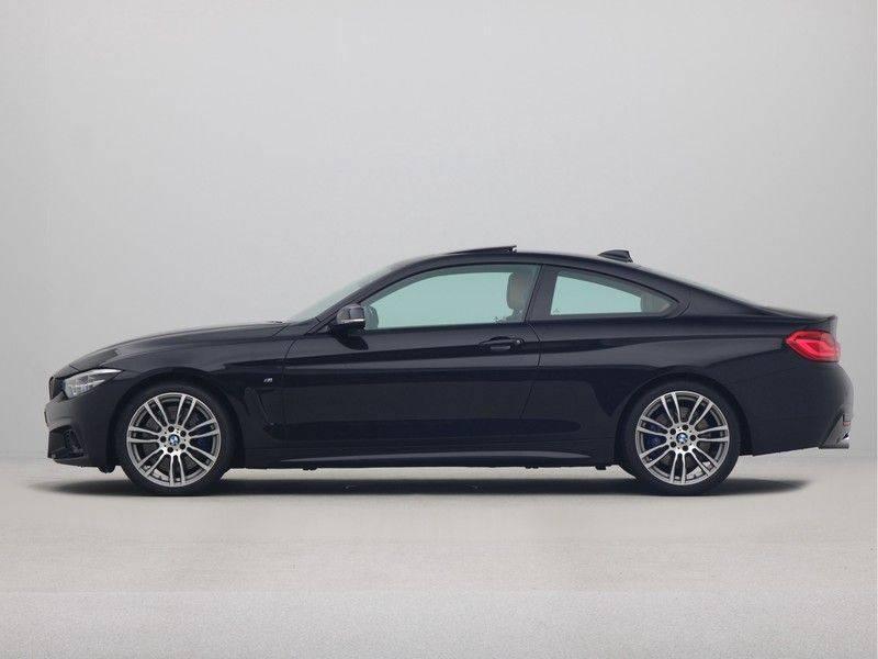 BMW 4 Serie Coupé 440i High Executive M-Sport afbeelding 12