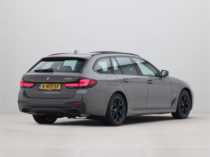 BMW 5 Serie Touring 520i High Executive M-Sport Automaat afbeelding 9