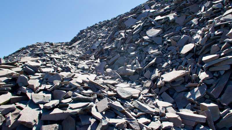 Loose talus rocks on the PCT