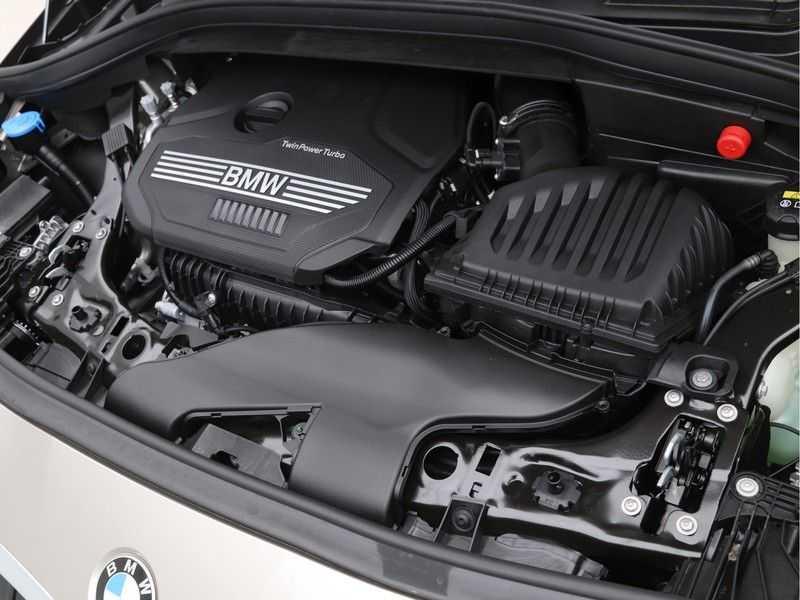 BMW 2 Serie Active Tourer 218i Exe Sportline Aut. afbeelding 4