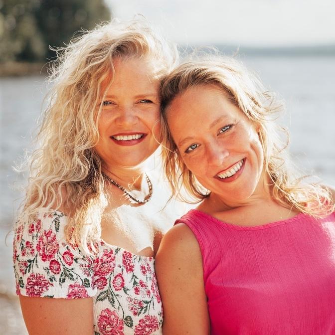 Photo of Shanti and Becky McPhee