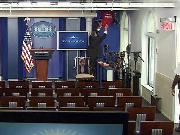 백악관 기자실, 인터넷영상통화 설치..언론견제?