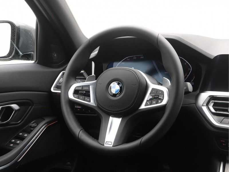 BMW 3 Serie Touring 318i High Executive M-Sport Automaat afbeelding 3