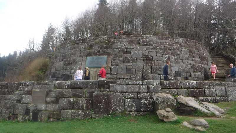 Monument at Newfound Gap