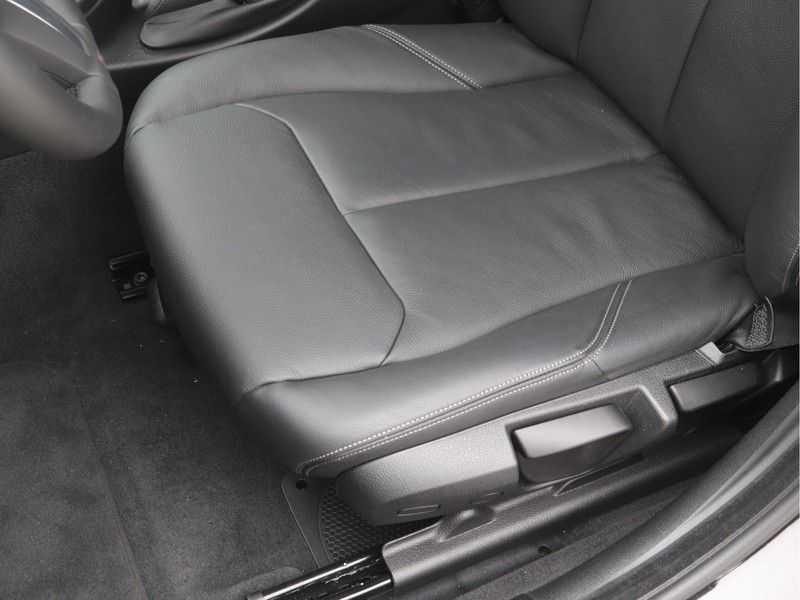 BMW 3 Serie Gran Turismo 320i High Executive Luxury Line Automaat afbeelding 13