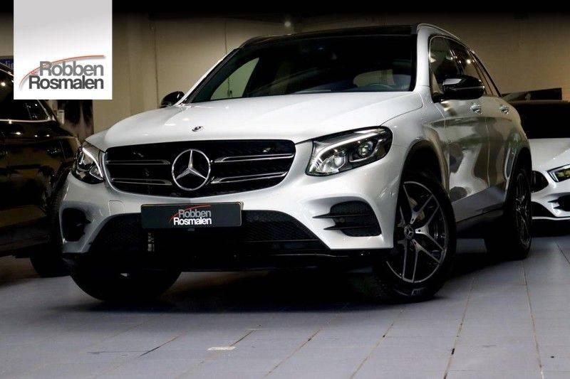 Mercedes-Benz GLC 250 4MATIC Premium Plus AMG PANO Night afbeelding 1