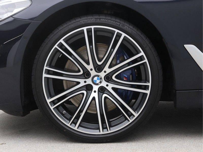 BMW 5 Serie Sedan 540i High Executive M-Sport Automaat afbeelding 21