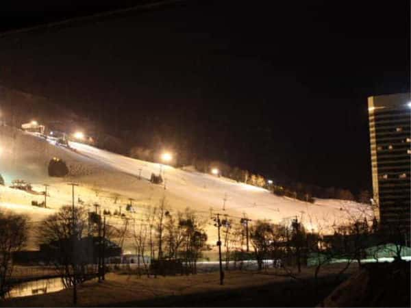 La Neige, Naeba Night Skiing