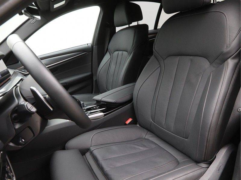 BMW 5 Serie 520d Sedan High Exe M-Sport afbeelding 5