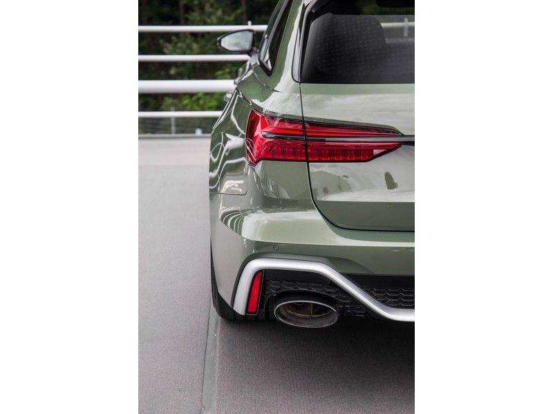Audi RS6 Avant TFSI 600 pk quattro | 25 jaar RS Package | Dynamic Plus pakket | Keramische Remschijven | Audi Exclusive Lak | Carbon | Pano.dak | Assistentiepakket Tour & City | 360 Camera | 280 km/h afbeelding 18