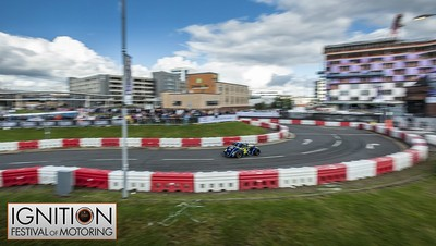 RB22 Barriers protecting spectators
