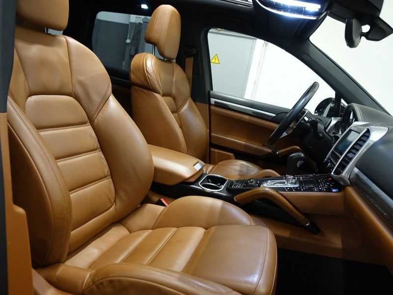 Porsche Cayenne 3.0 S E-Hybrid 334pk Sport Chrono Aut- Panodak, Bose, Leer, Camera, Full! afbeelding 23