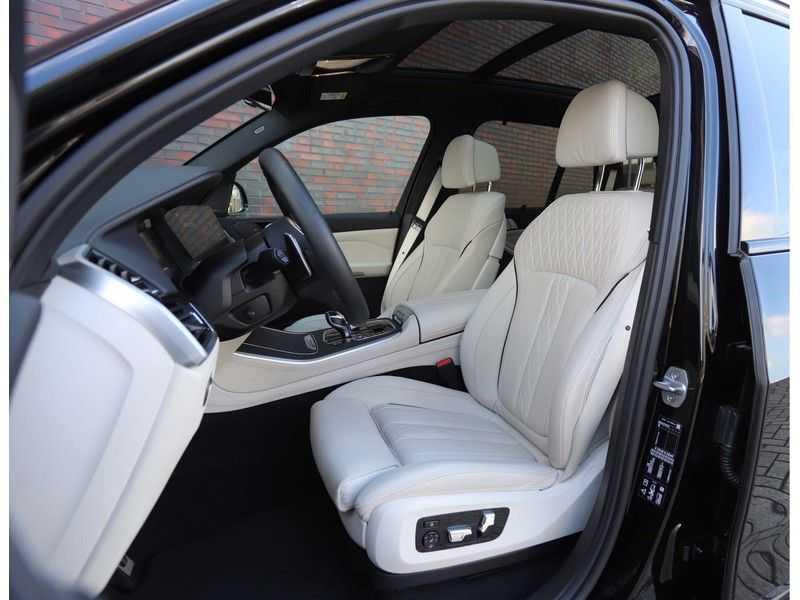 BMW X5 M50i X-Drive *Head-Up*Trekhaak*Laser* afbeelding 17