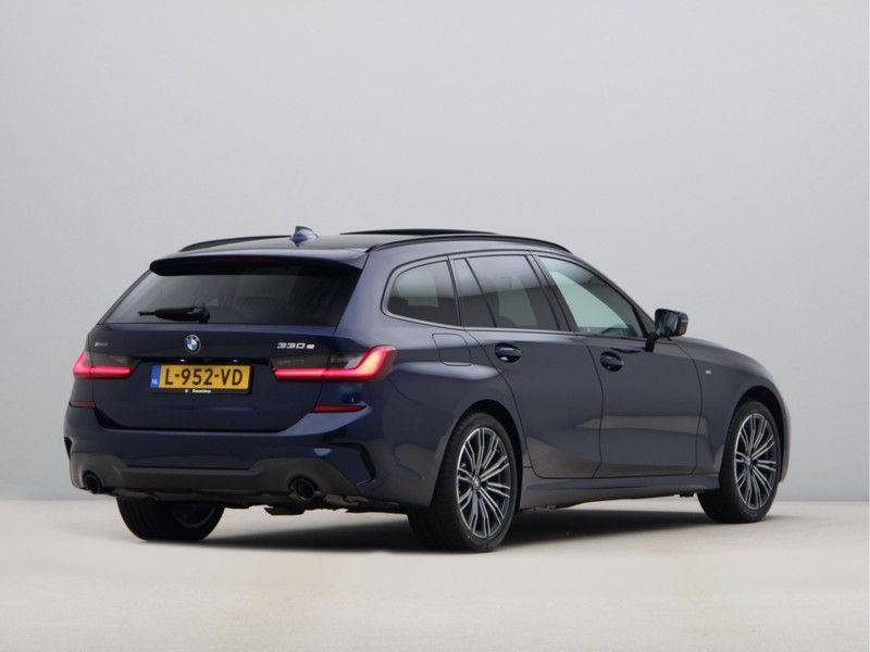 BMW 3 Serie Touring 330e xDrive High Executive M-Sport Automaat afbeelding 9
