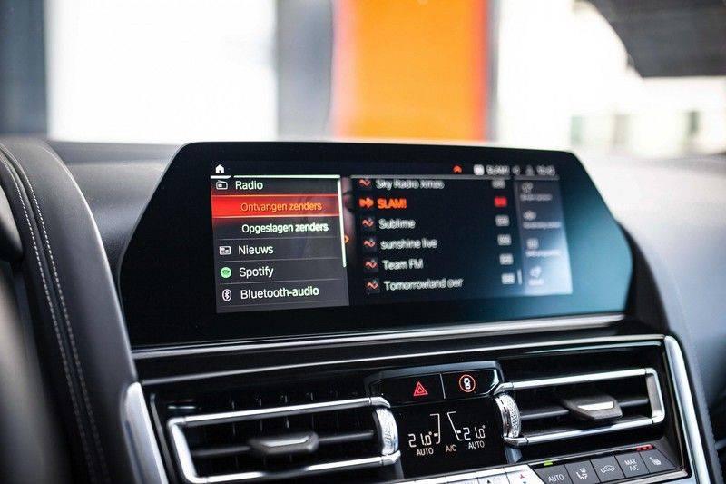 BMW 8 Serie 840d xDrive High Executive *Laser / Harman-Kardon / HUD / Nachtzicht / Carbon / ACC / Nekverwarming* afbeelding 17