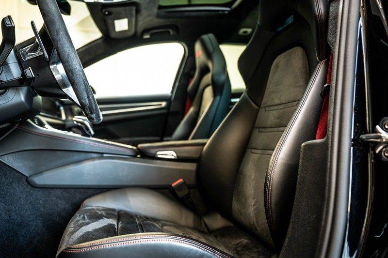 Porsche Panamera 4.0 GTS Sport Turismo | 360 | HUD | BOSE |PANO | Soft close | DAB | LED Matrix | Afstandstempomaat | Karmin Rood pakket, rood st afbeelding 7